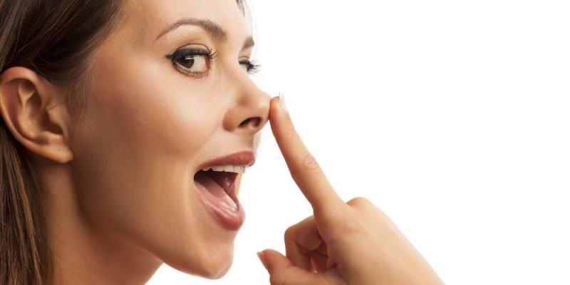 Sollevamento della punta del naso con filo elastico (Rinowire™)